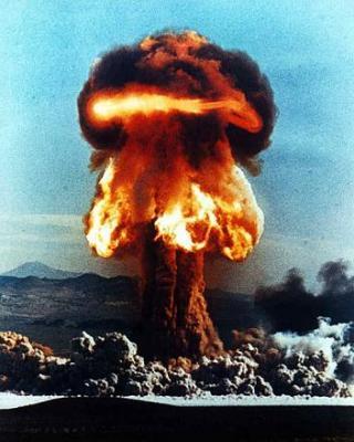 20081111191937-bomba-atomica.jpg
