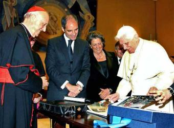 20091016132711-benedicto-xvi-francisco-camps.jpg
